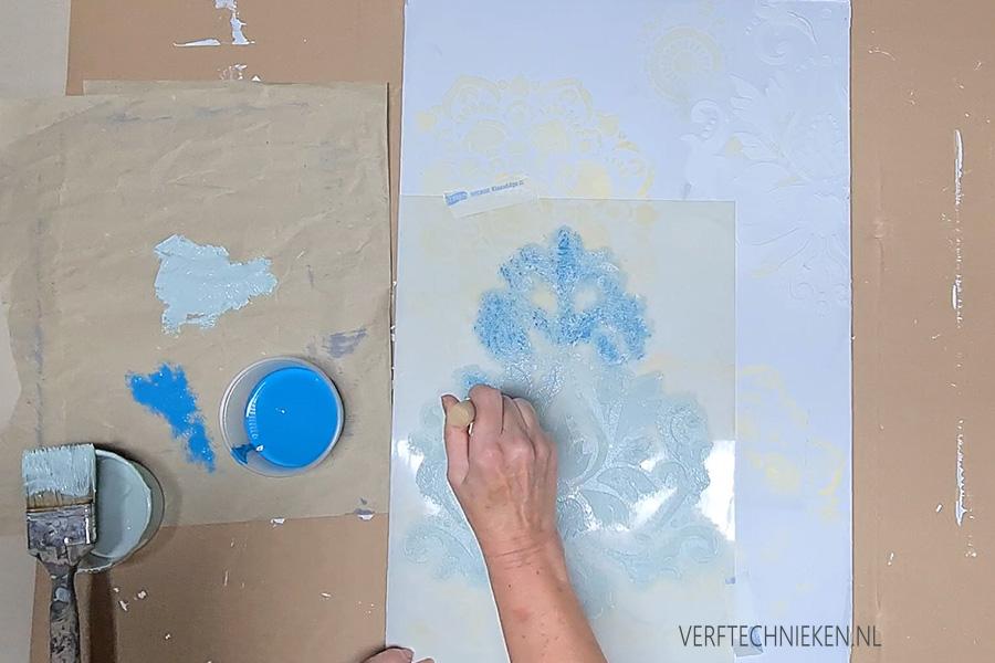 stencil met verdigris-patina verf