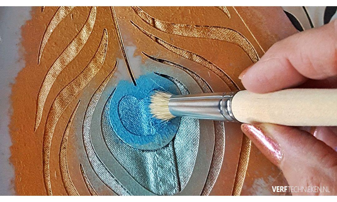 sjabloneren met metallic paint van Abbondanza